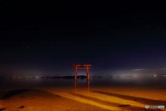 琵琶湖の鳥居