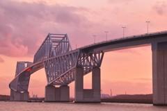 夕暮れの東京ゲートブリッジ