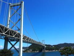 出迎えや 秋の青空 関門橋