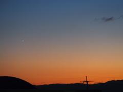 グラデーション 秋の夕暮れ 星一つ