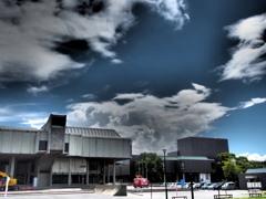 雨と晴れ 猫の目天気 美術館