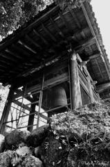 日本最古の梵鐘 /   モノクローム