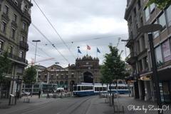 チューリッヒ中央駅と長い路面電車