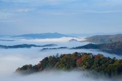 紅葉と雲海と松山城と