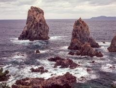 初冬の青海島カモメ岩