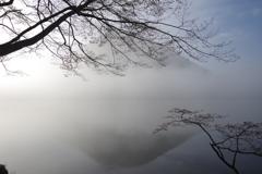 朝靄の榛名富士