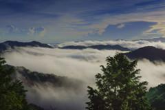 溢れる雲海-2