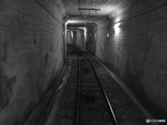 近鉄生駒鋼索線のトンネル
