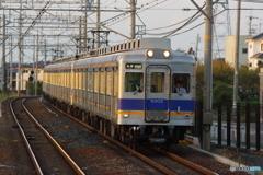 滝谷駅にて南海6000系