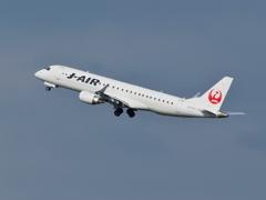 ジェイエア/J-AIR E-190-100 JA243J(羽田空港)
