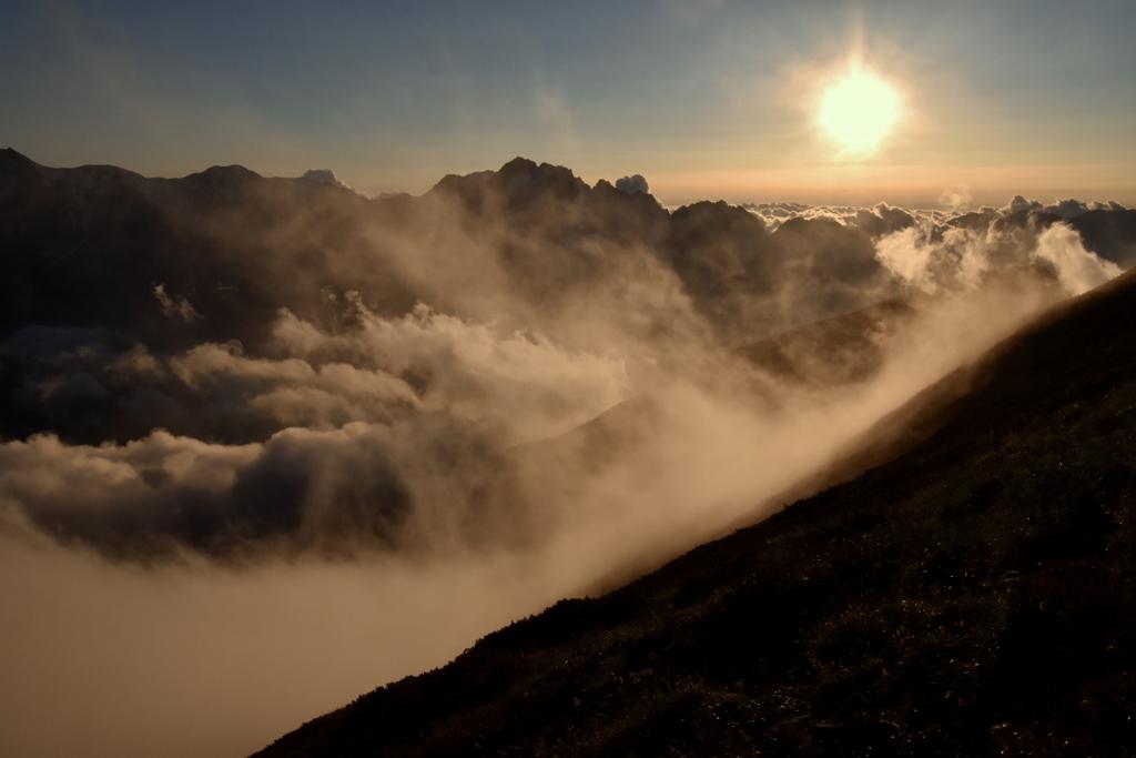 雲沸き立つ後立山 by yasube (I...
