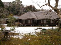 鎌倉の茅葺き屋根