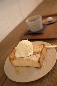 自家製パンとコーヒーで