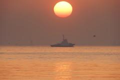 東京湾の日の出
