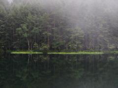 霧の湖畔 1