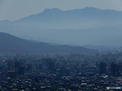 朝のウォーキング 山頂より 石鎚山を望む