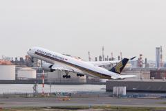 Haneda Airport  9V-SMA