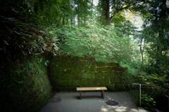 お寺のベンチ