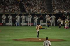 元千葉ロッテ 村田兆治さん始球式