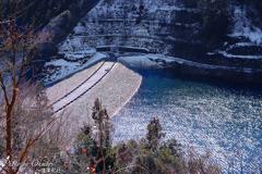 冬のダム 俯瞰
