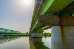 青空と橋と橋の下