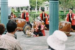 町のお祭り 和太鼓パフォーマンス