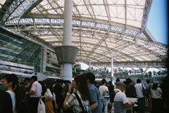 阪神競馬場内
