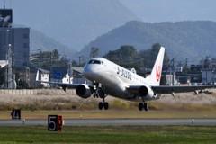 山形空港(J・Air、エンブラエル170)6