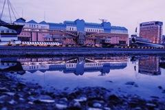 雨上がり釧路川のほとり