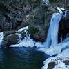 おぼろ滝冬景