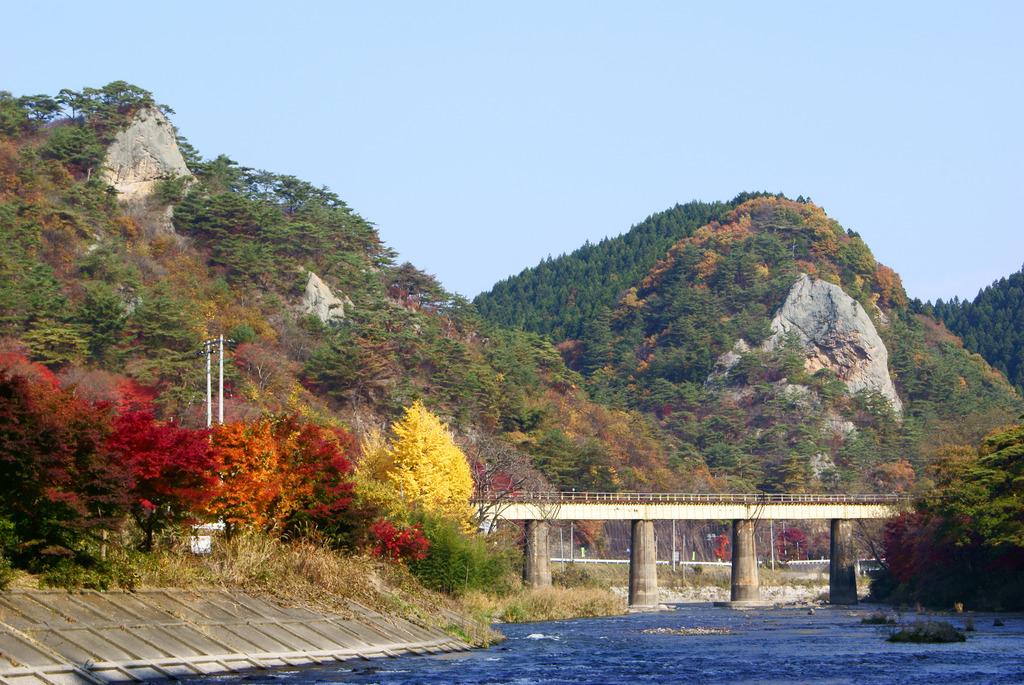 秋の大だるま岩と小だるま岩