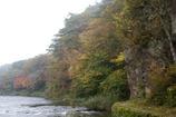 秋の朝の久慈川