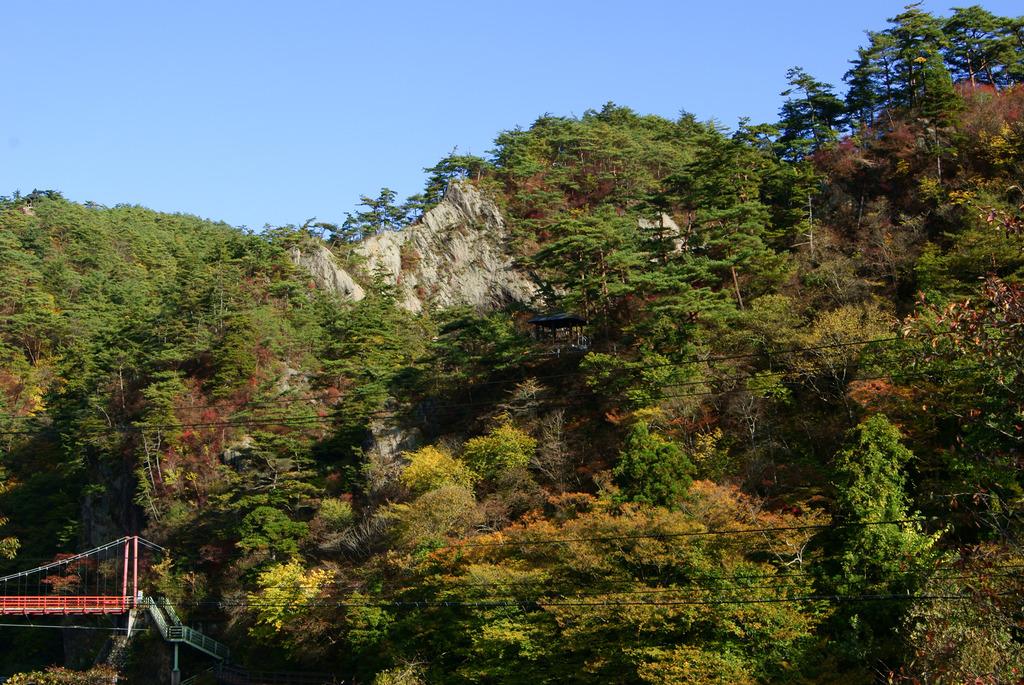 剣ケ峰と紅葉