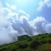 押寄せる雲