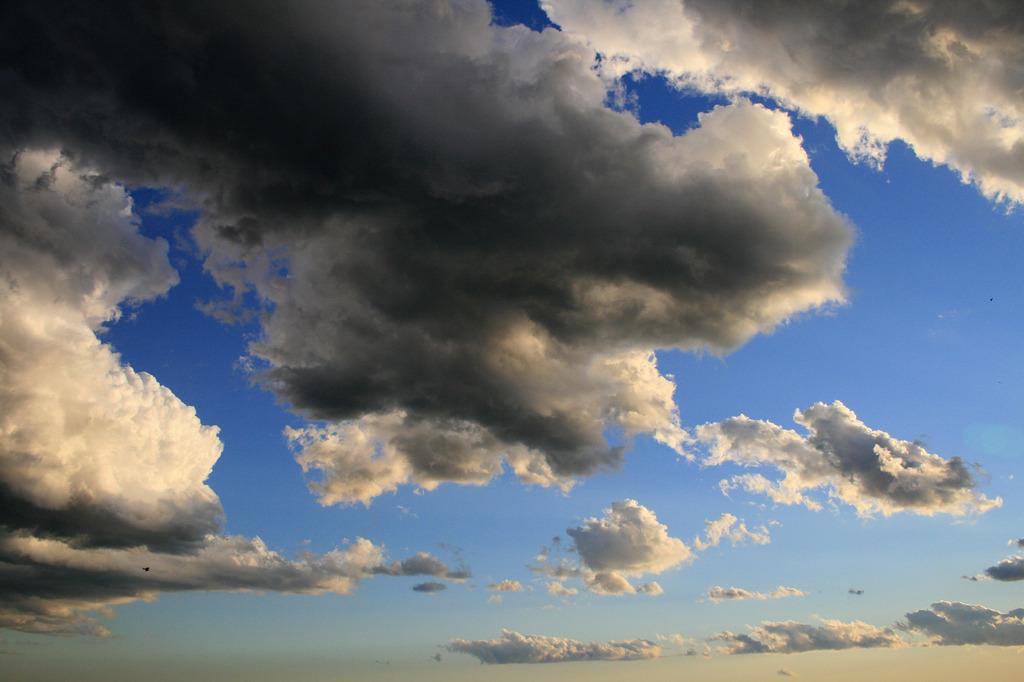 晴れと曇りと