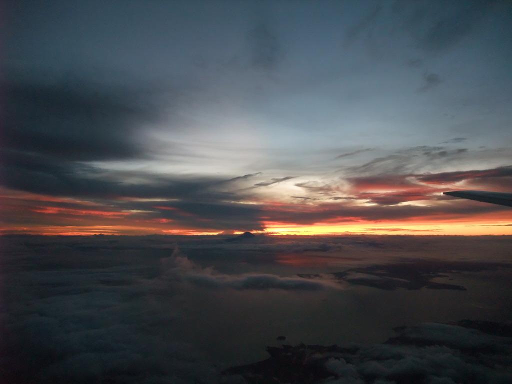 台風の先の富士山