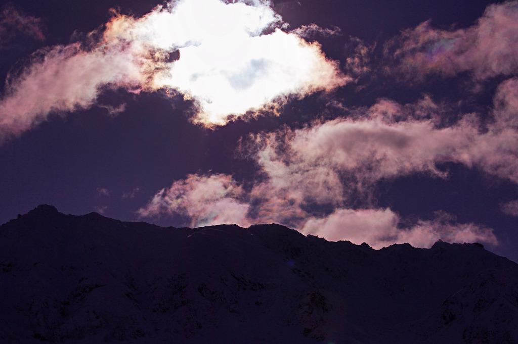 立山連峰 雲の向こう
