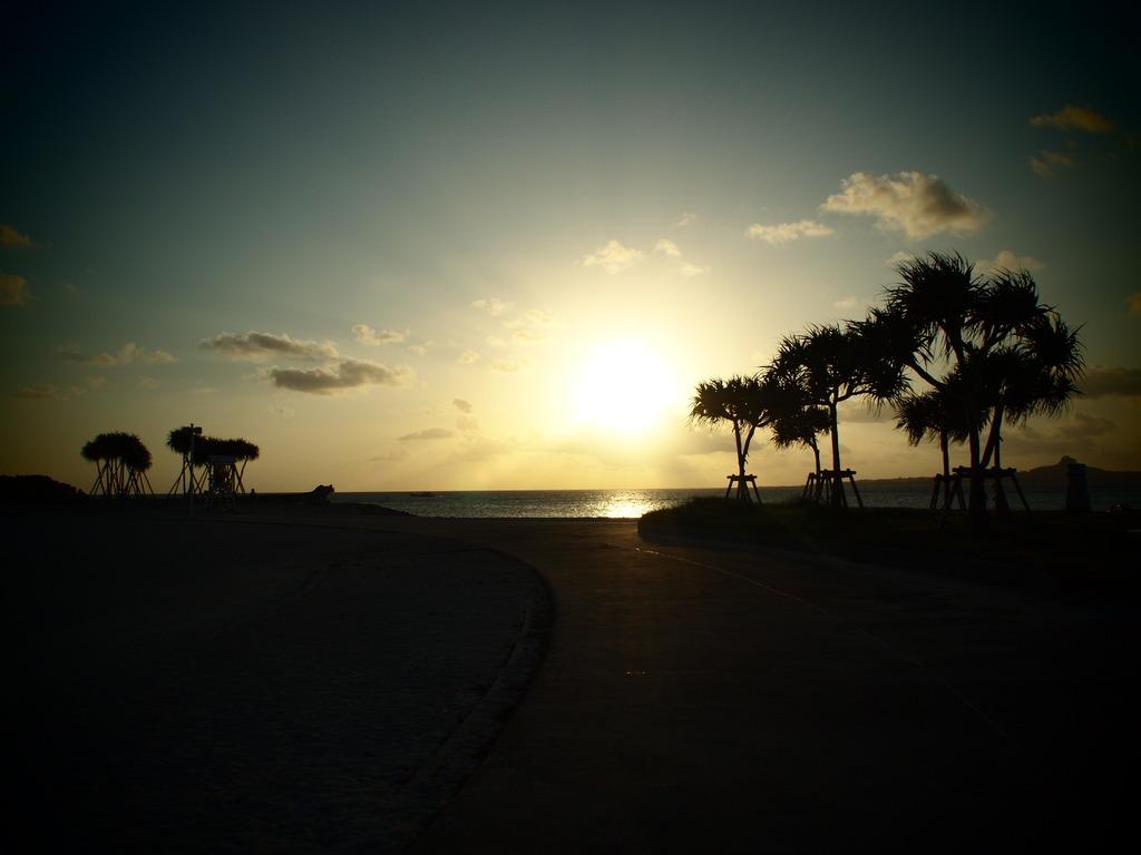 美ら海の夕陽