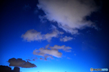 蛍光ブルー