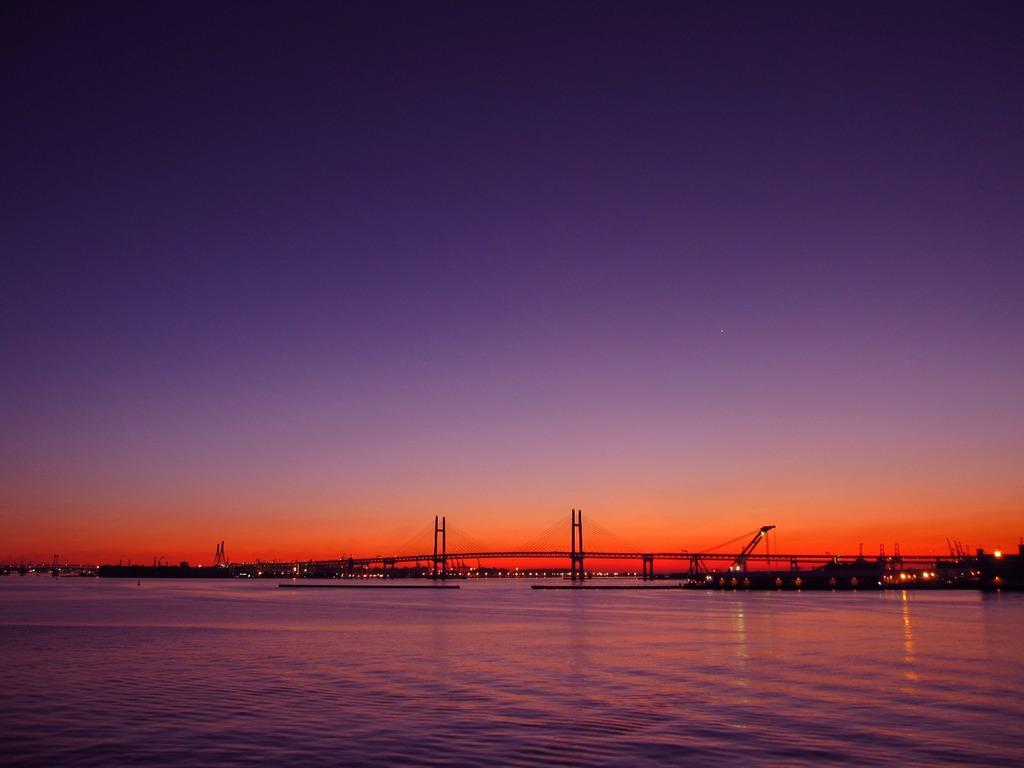 横浜の夜明け@大桟橋