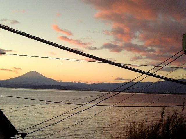 富士山と電線