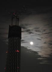 月とスカイツリーのコラボ