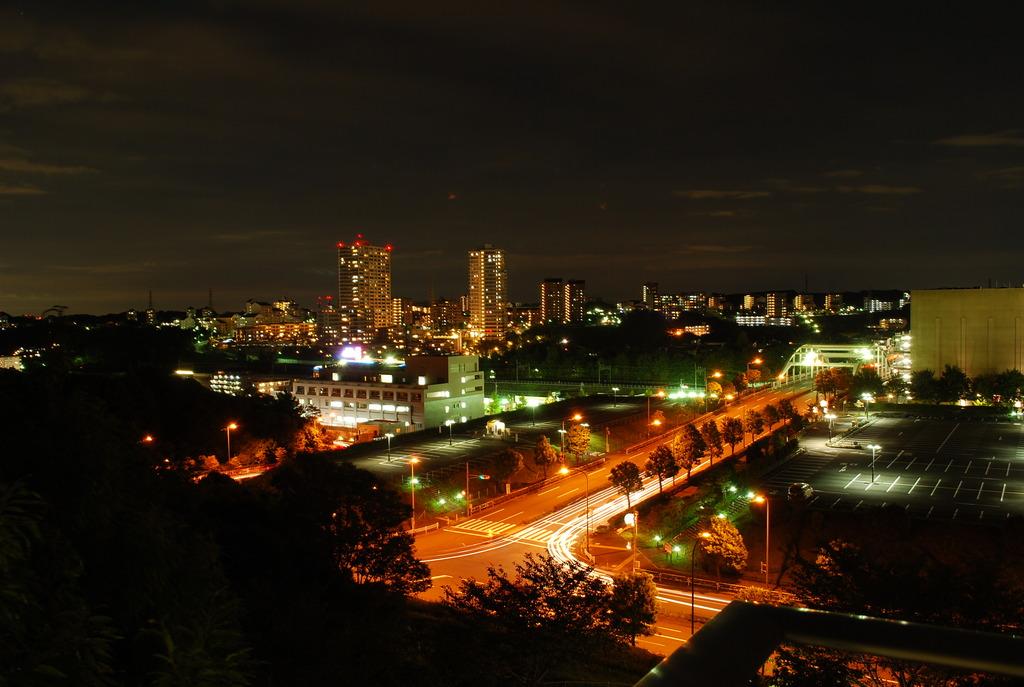 ニュータウンの夜