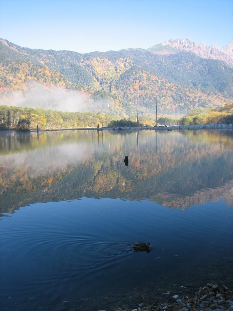 大正池に映る焼岳連山