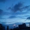 青い夜明け