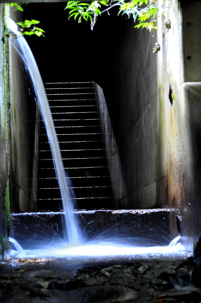 洞窟の階段