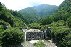 精進ガ滝の砂防ダム