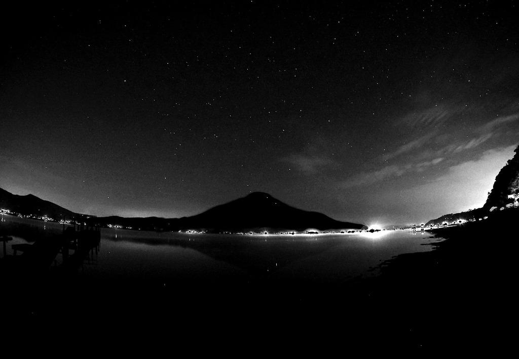 真夜中のさかさ富士