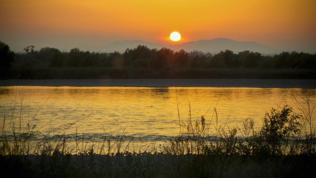 天龍川の夕暮れ