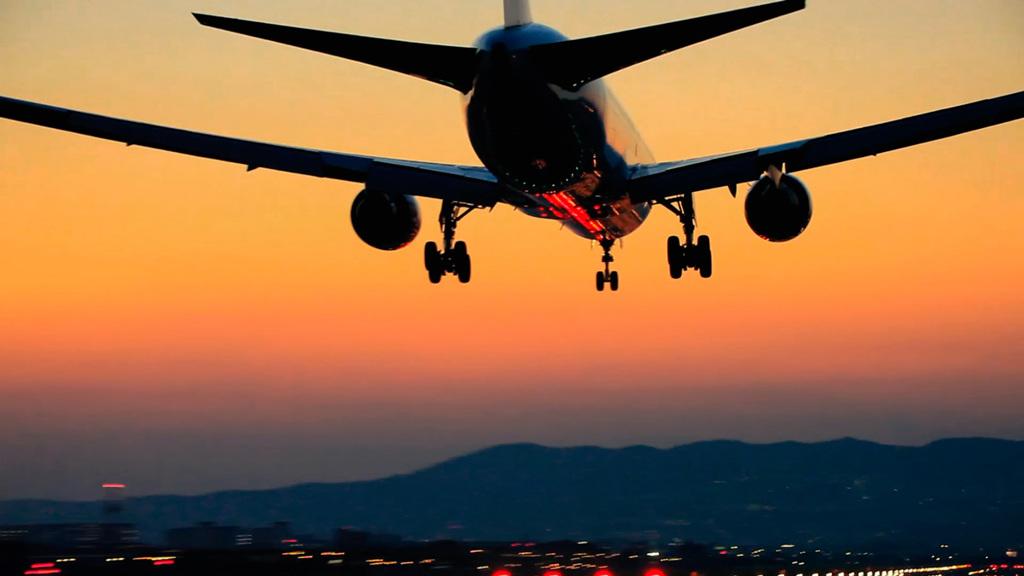 伊丹空港飛行機着陸
